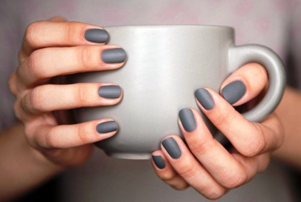 matte-fingernails.jpg